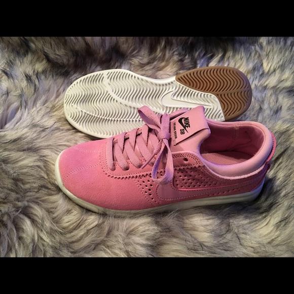 Baby Pink Nike Air Max 23d150379